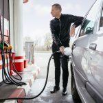 Passage à la pompe facile avec la carte carburant multimarque.