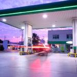 Station-service ouverte 24h/24 et utilisable grâce à la carte carburant Total